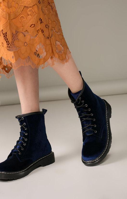 Модные бархатные женские ботинки осень-зима 2019-2020 на низком ходу