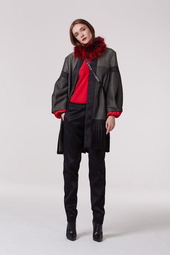 Стильный образ с зауженными брюками осень-зима 2018-2019