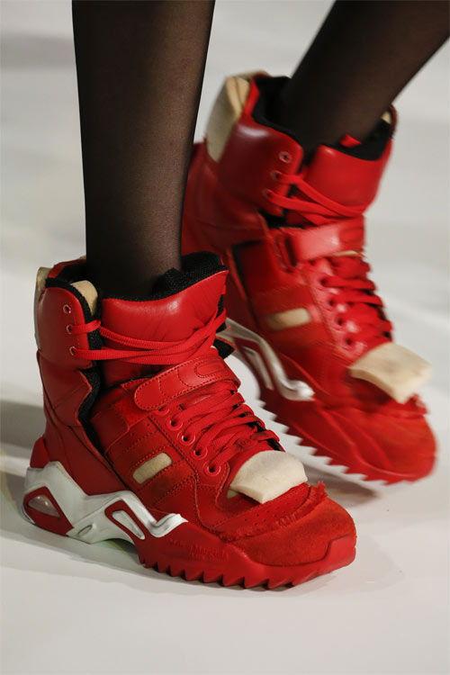 Красные кроссовки Maison Magiela осень-зима 2019-2020