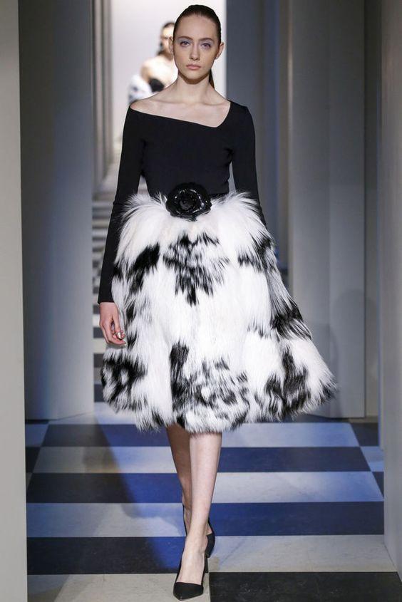 Коктейльное платье с мехом осень-зима 2018-2019