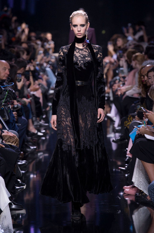 Модно вечерне платье из бархата осень-зима 2018-2019