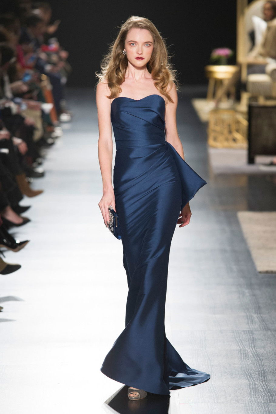Классическое платье-русалка - тренд сезона осень-зима 2020-2021