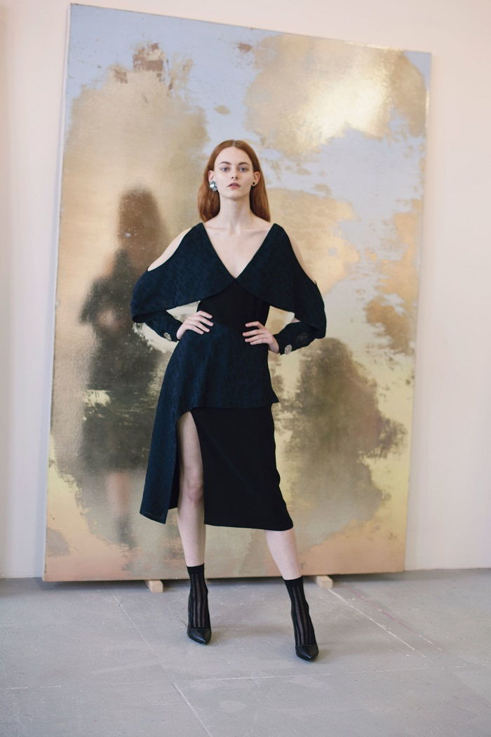 Модные платья с резными рукавами осень-зима 2018-2019