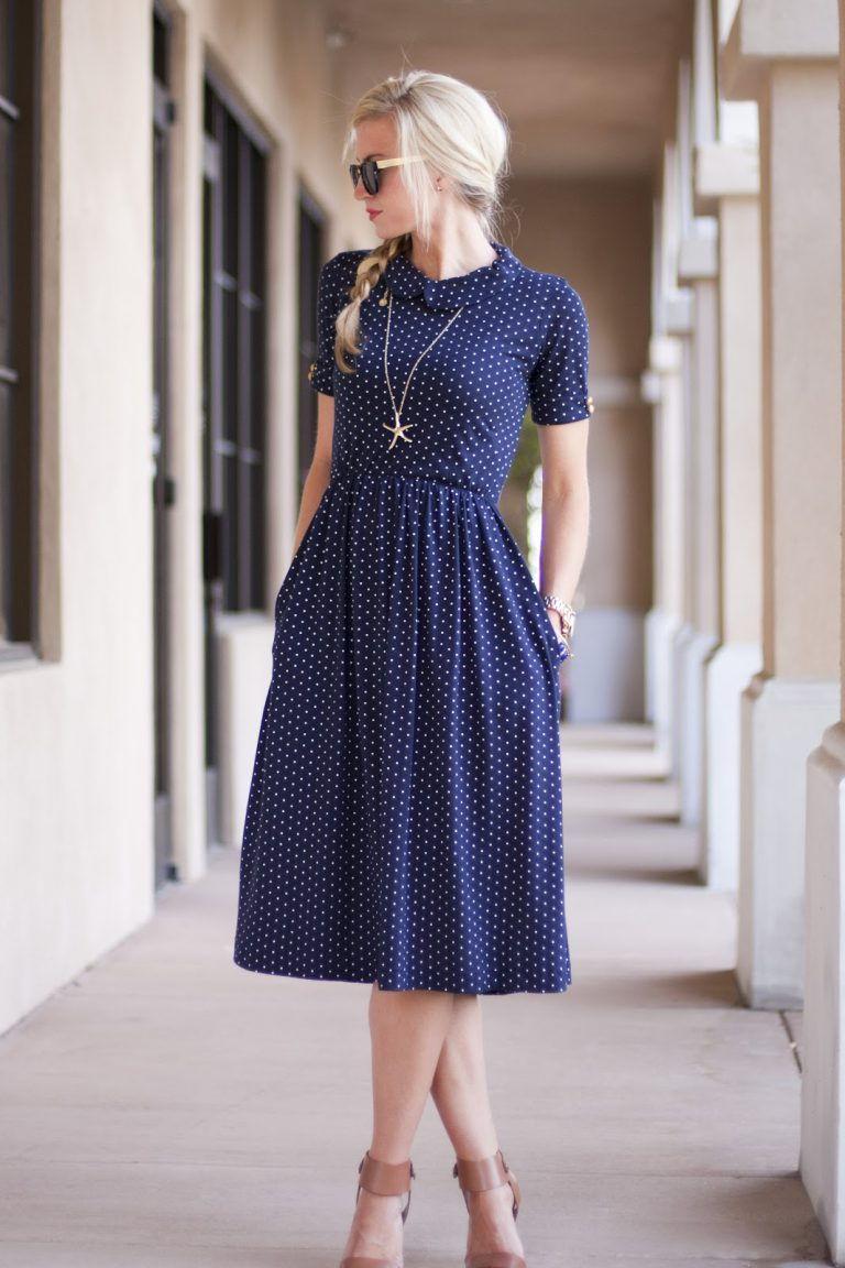 Повседневное платье в горошек осень-зима 2018-2019