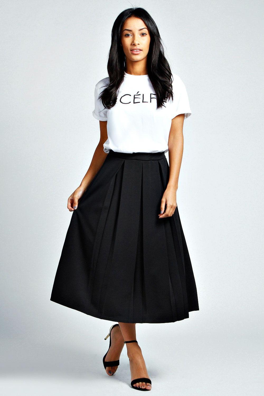 Черная школьная юбка средней длины
