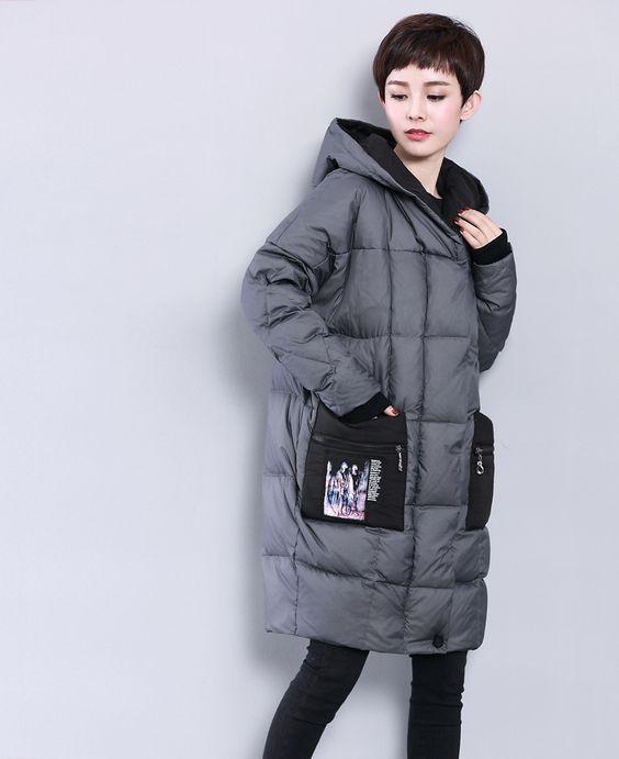 Стильный серый женский пуховик с накладными карманами осень-зима 2019-2020