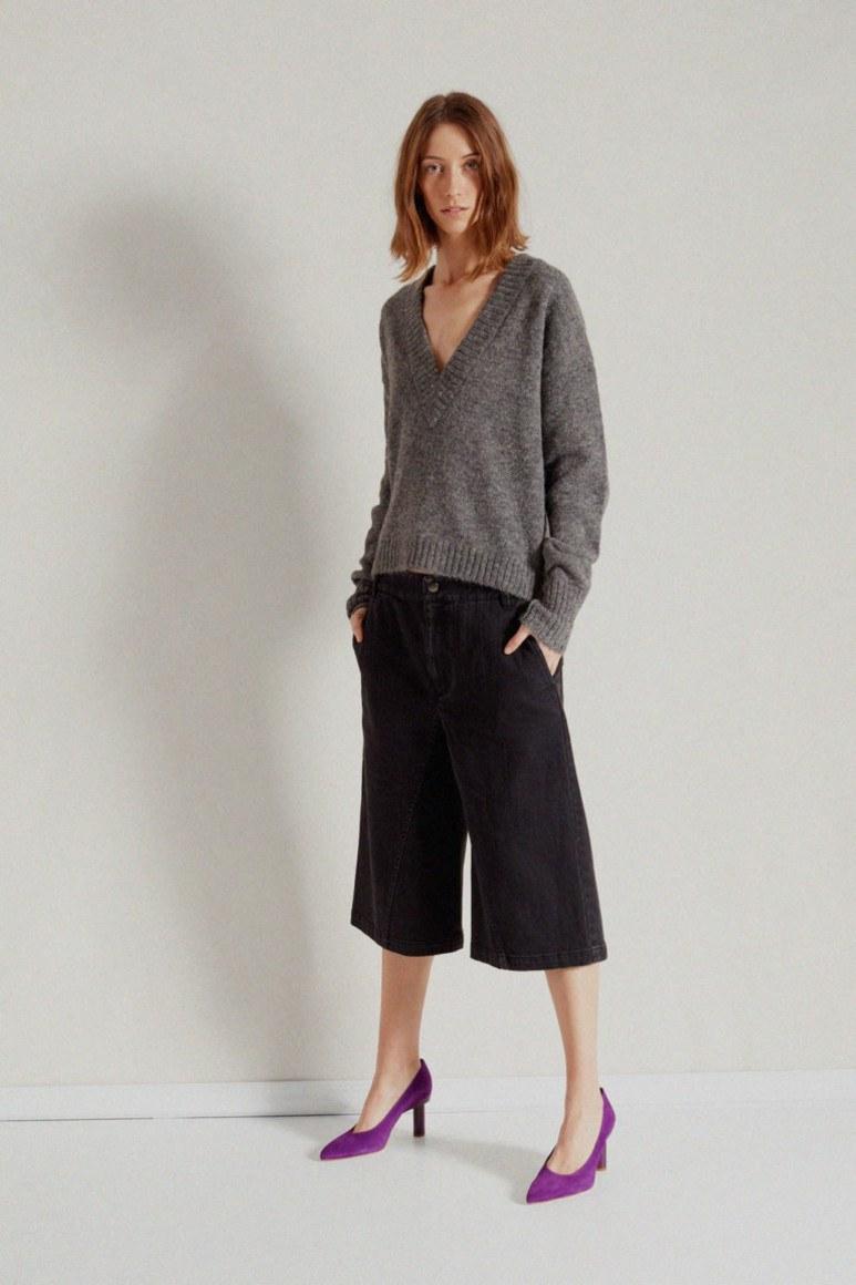 Вязаная женская одежда осень-зима 2019-2020