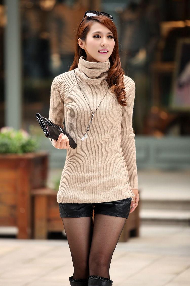 Облегающий свитер с высоким горлом - элемент базового гардероба 2019-2020