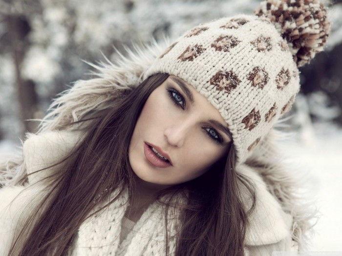 Идеальный вариант шапки для обладательницы овального лица