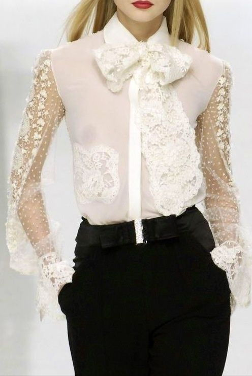Стильная белая прозрачная блузка осень-зима 2018-2019