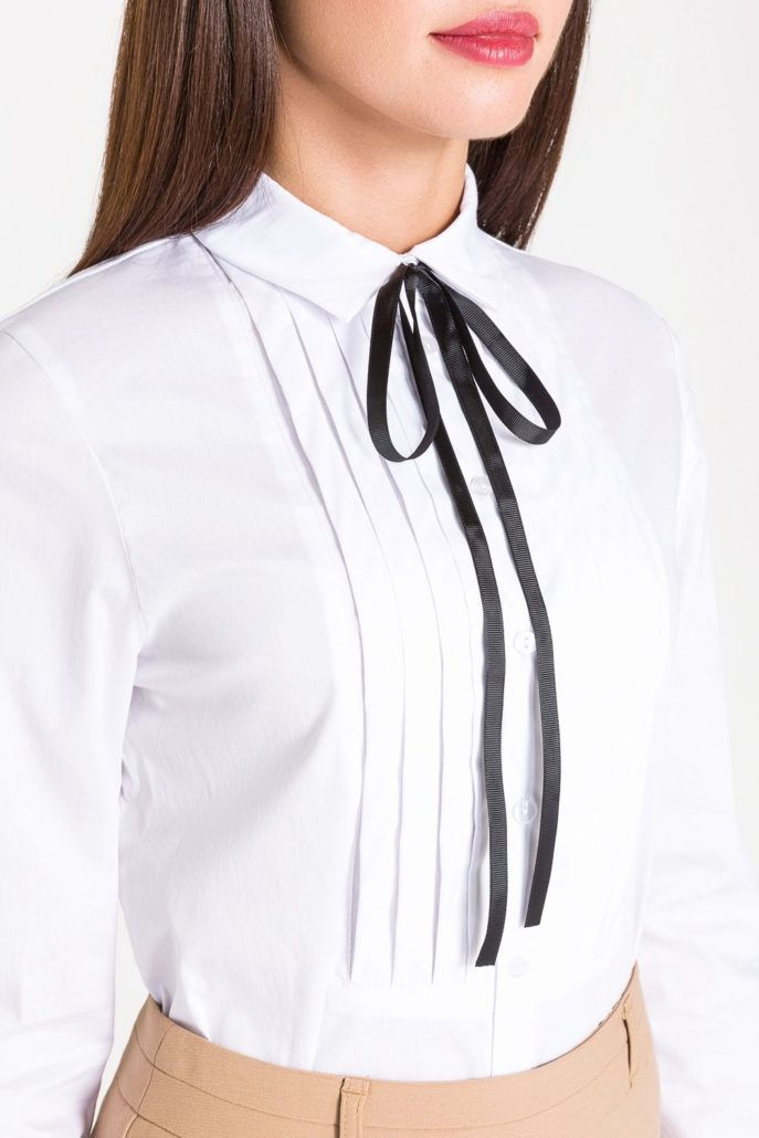 Модная блузка со стильным бантом осень-зима 2018-2019