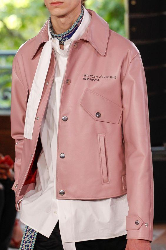 Кожаная розовая куртка мужская