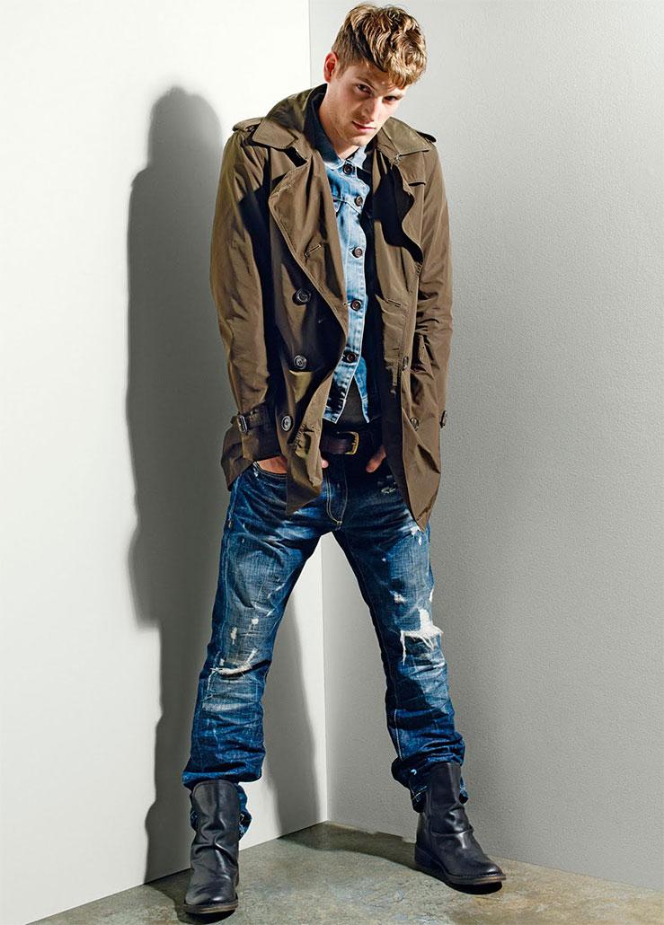 Синий цвет джинсовых брюк