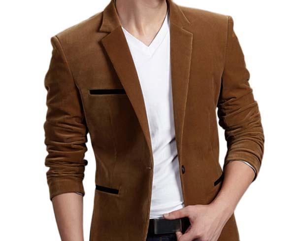 Коричневый пиджак из велюра