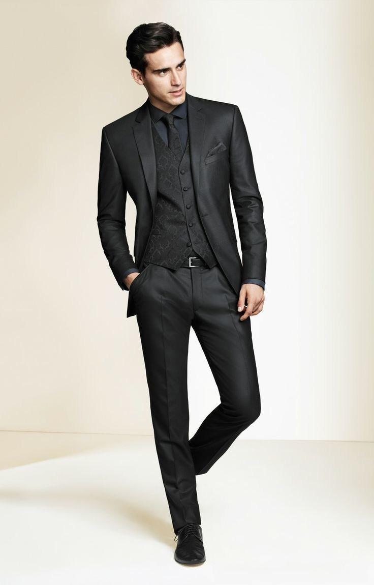 Черный классический пиджак