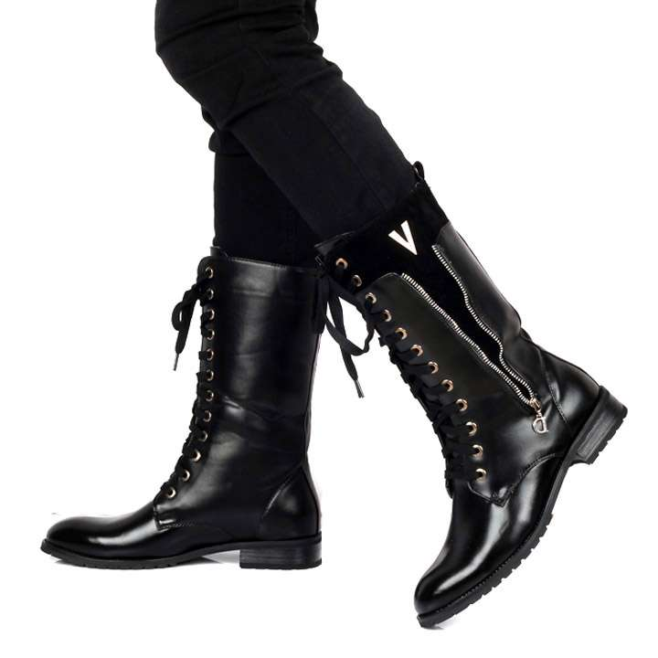 Черные мужские сапоги в стиле милитари