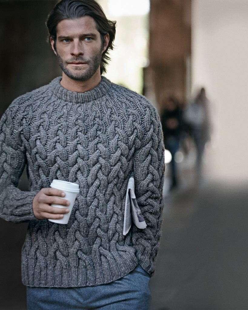 Стильный пуловер с крупной вязкой