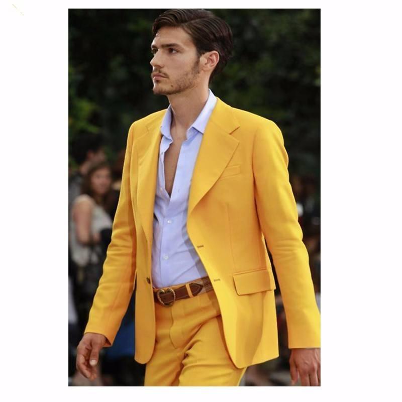 Желтого цвета пиджак
