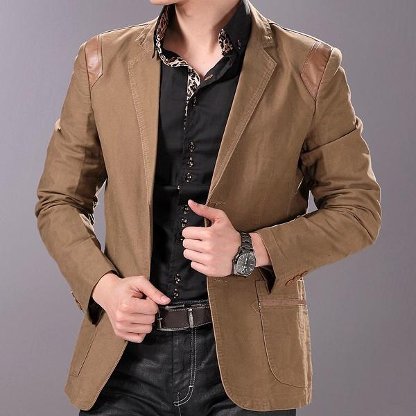 Коричневый пиджак с накладными карманами