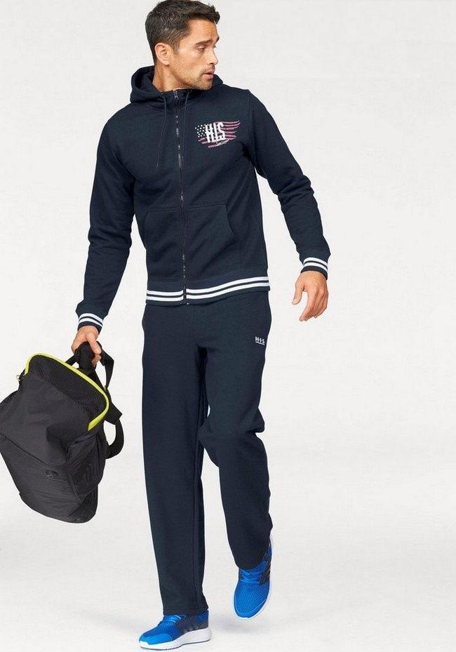 Темно-синий спортивный костюм