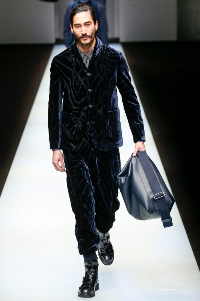 Вельветовый костюм для мужчин