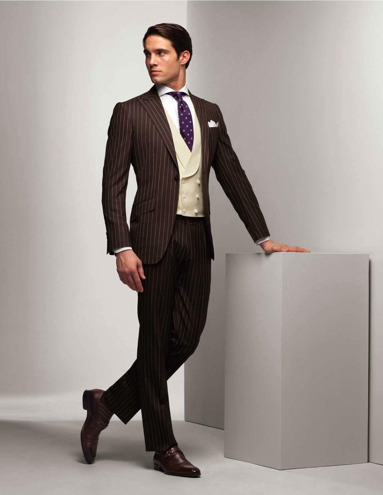 Коричневый костюм мужской