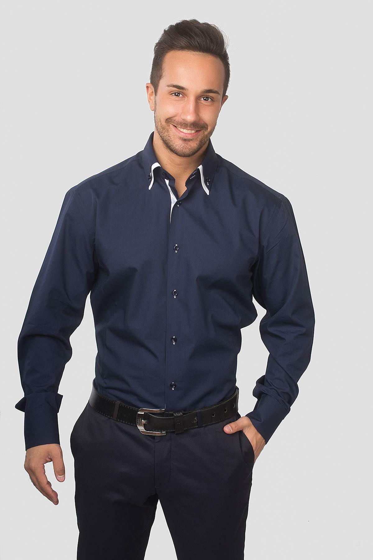 Темно-синяя рубашка с отложным воротничком