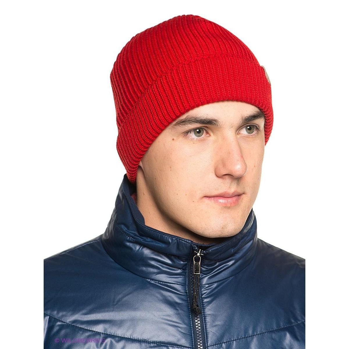 Мужская красная шапка