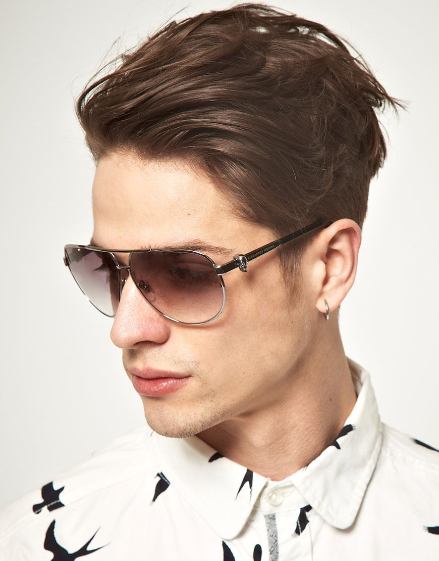 Стилное исполнение солнцезащитных очков для мужчин