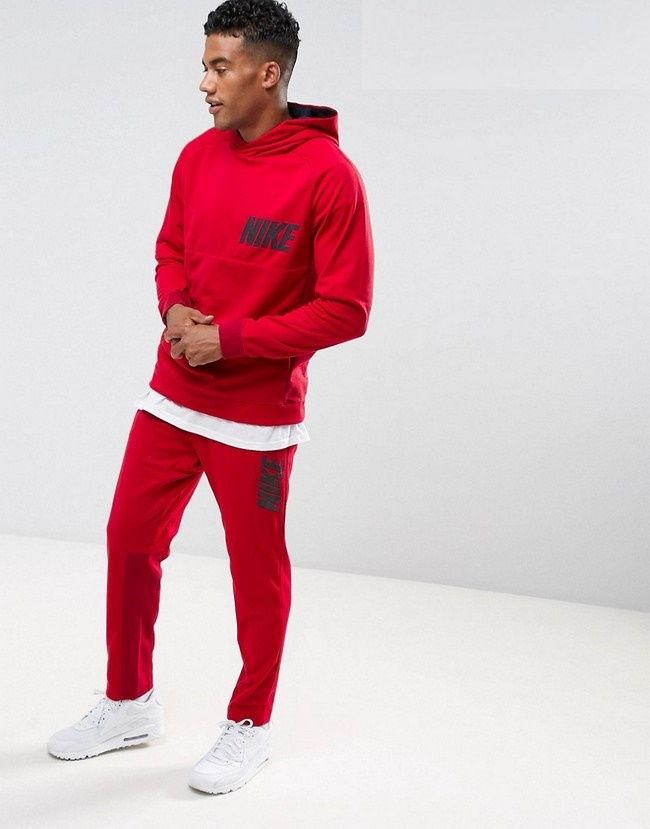 Красный спортивный костюм Найк