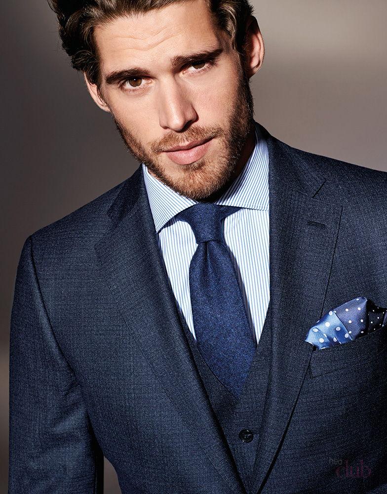 Стильный мужчина в галстуке