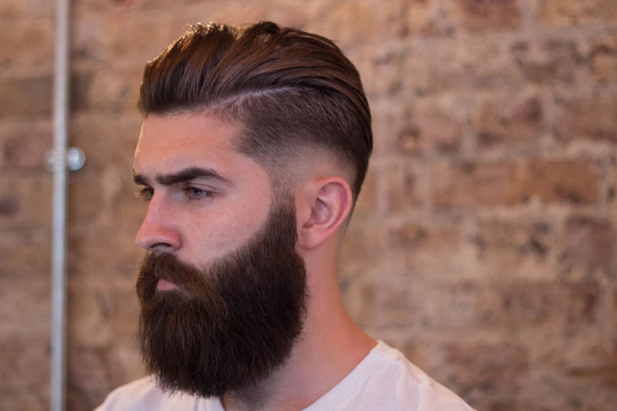 Борода для брюнетов