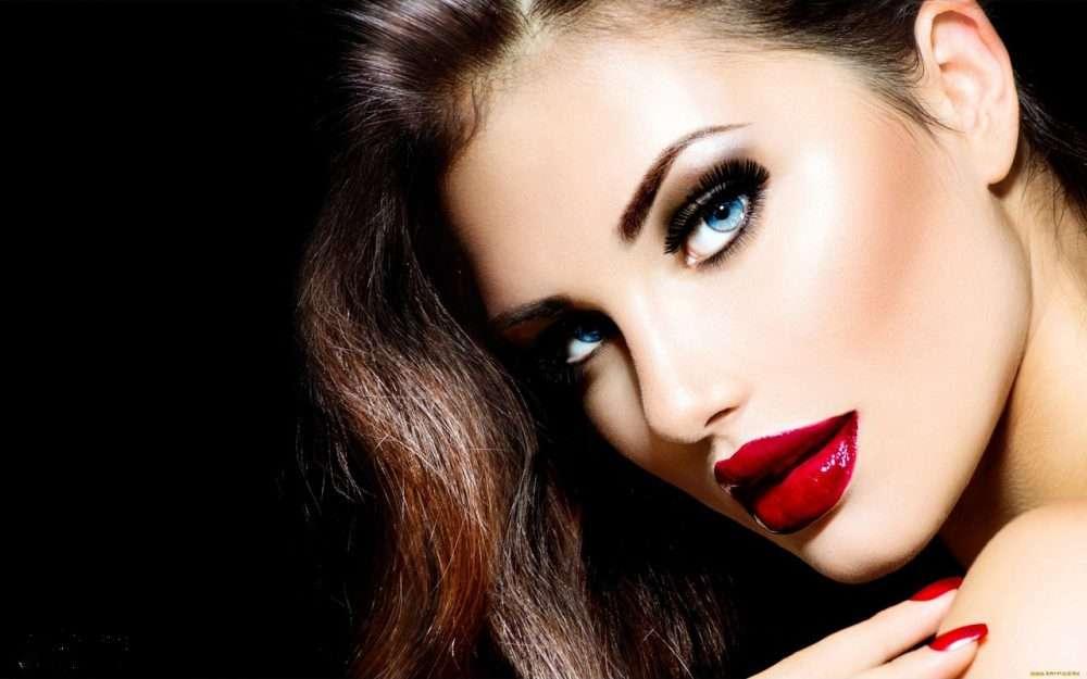 Модный макияж для шатенки