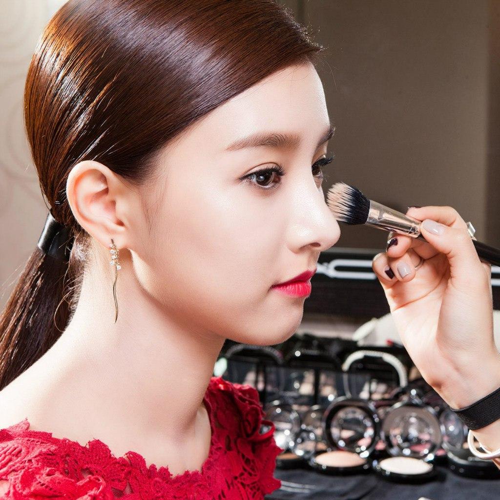 Песочная гамма в макияже для карих глаз
