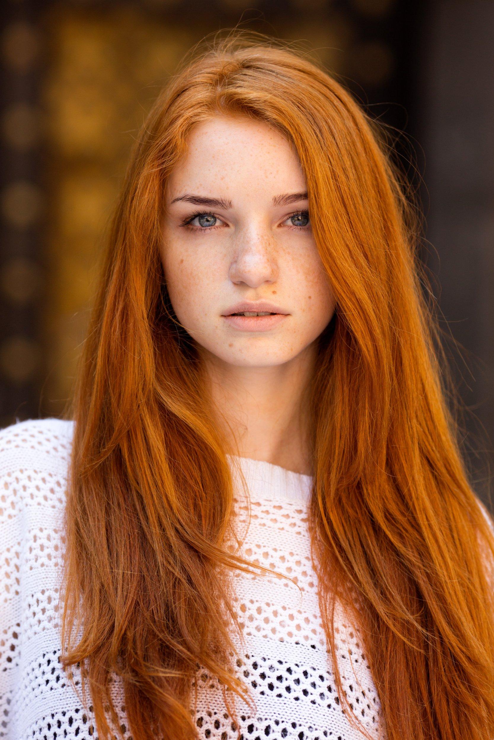 Интересный макияж для рыжей с серыми глазами