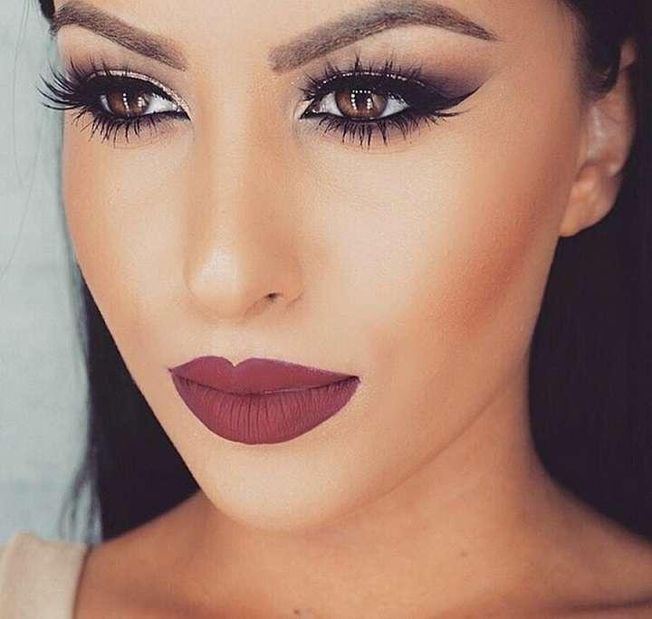 Модный макияж губ для кареглазых