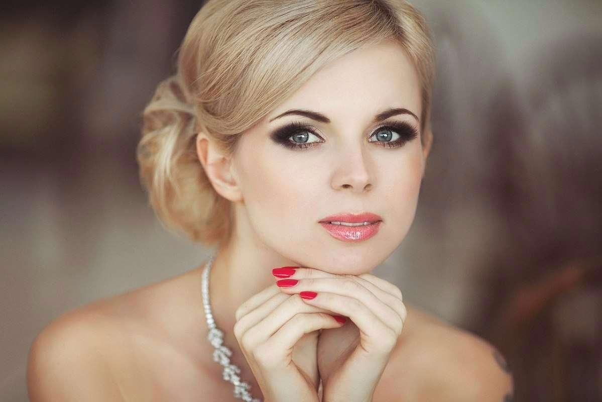 Красивый макияж и прическа