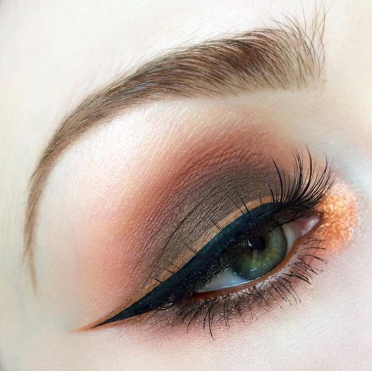 Интересный макияж для зеленых глаз