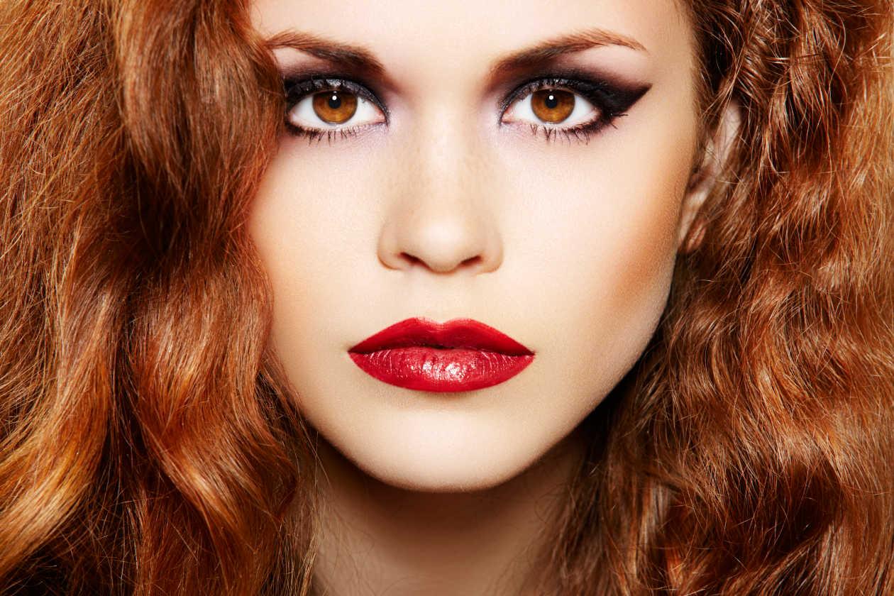 Карие глаза и рыжие волосы макияж